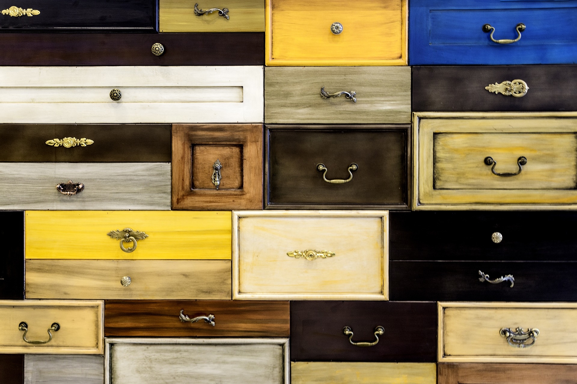 Replacing Your Drawers' Handles