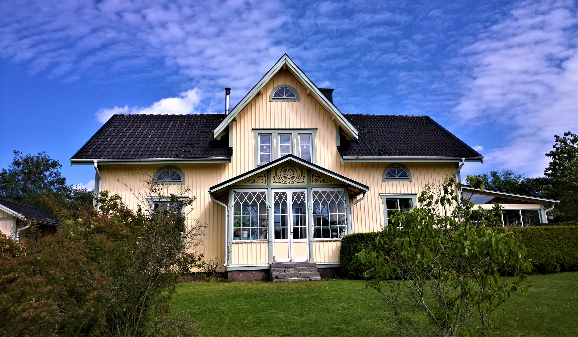 home with a roof fascia